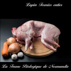 Délicieux lapin fermier entier  poids 1,9 k env  élevé en plein air, en Normandie.