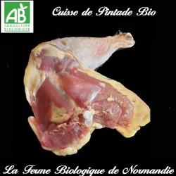 Savoureuse cuisse de pintade bio 250 grammes en direct du producteur la ferme biologique de Normandie.
